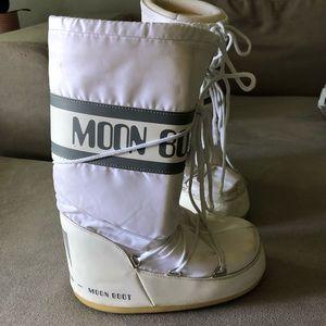 Moon boots women